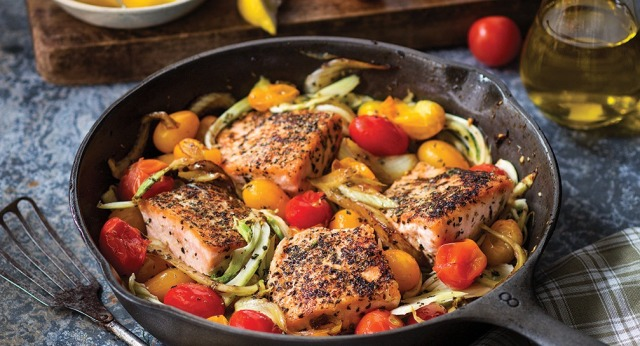 Mediterranean Pan-Roasted Salmon with Fennel and Tomatoes